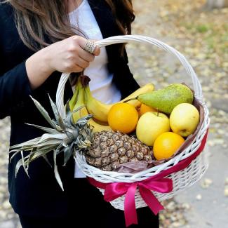 Coș de fructe