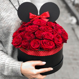 "Roses in a Box ""Minnie Mouse"""
