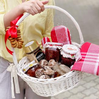 "Gift Basket ""By Grandma"""